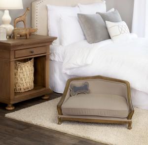 ペブル織りのレトロ調ドッグベッド/Wooden Luxury Dog Bed